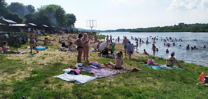 Пляжный сезон в условиях карантина (р.Кодыма) (фоторепортаж)